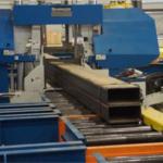 Lasergesteuerte Zerspanung von Stahlträgern